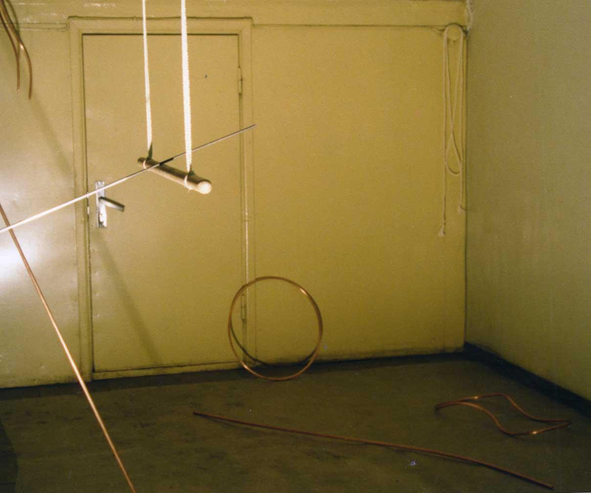 Balance, Installationsansicht, Tallinn, Kunstiülikool 1996